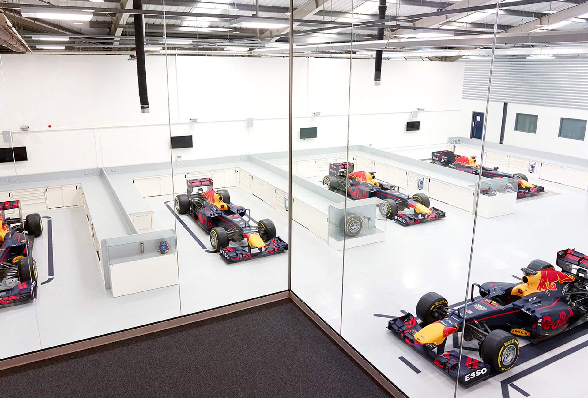 Transformation in action: Amulet hosts 'Innovation Day' at Aston Martin Red Bull Racing's new MK7 venue